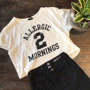CROPPED GRAPHIC T-SHIRT